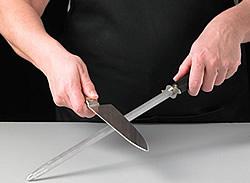 Conseils entretien couteau nettoyer lame et entretenir le manche jean dubost - Comment bien aiguiser un couteau ...