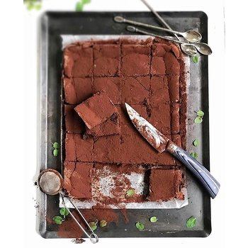 Couteau Christian Etchebest par Jean Dubost manche micarta made in France Brownie au chocolat crédit photo Objectif Madame Juju